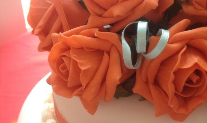 Kweku and Fi wedding cake detail