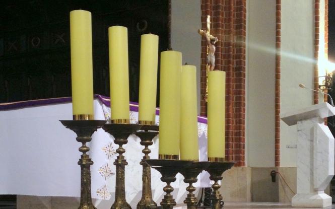 Warsaw church candles