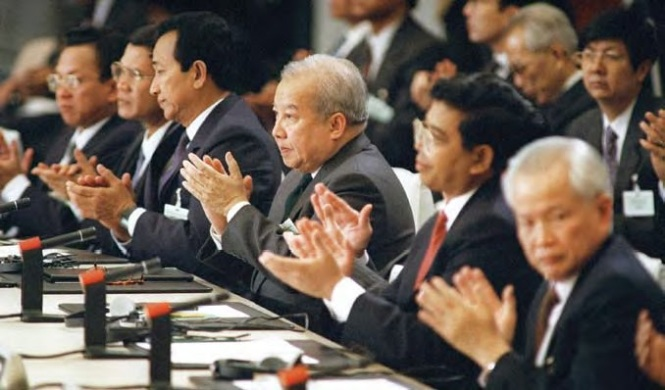 8. In 1991 a peace treaty is signed, former king Norodom Sihanouk returns as head of state and becomes king in 1993 when the monarchy is restored. The Khmer Rouge government-in-exile loses its seat at the UN and thousands of guerrillas surrender in an amnesty.