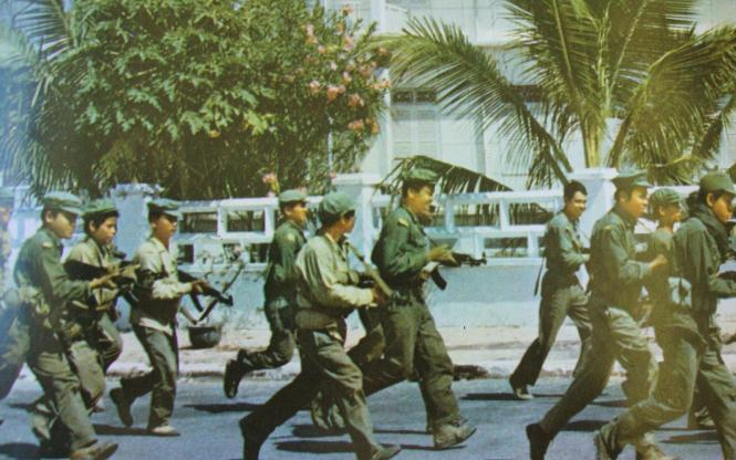 Prime Minister Lon Nol seizes power in 1970 and sends troops to fight the North Vietnamese forces in Cambodia. The Cambodia army lose territory to the North Vietnamese and communist Khmer Rouge guerrillas.